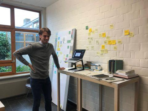 Simon Hettler, Designer in Residence HfG 2020, in der HfG. Foto: HfG-Archiv