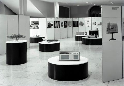 HfG-Wanderausstellung im Ulmer Kornhaus, Fotograf Roland Fürst, 1963, (c) HfG-Archiv Ulm