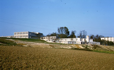 The Buildings of the Ulm School of Design, 1955. Photo: Ernst Hahn, Sign. HfG-Ar Dp 090.012-1 © HfG-Archiv Ulm. All rights reserved